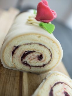 Marcipan roulade